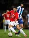 855243601-soccer-uefa-champions-league-quarter-final-first-leg-manchester-united